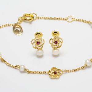Conjunto em ouro amarelo com pérolas e rubis