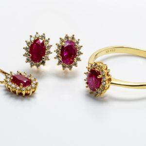 Conjunto em ouro amarelo com rubis e diamantes