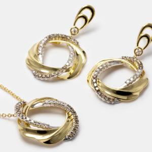 Conjunto em ouro amarelo e branco com diamantes