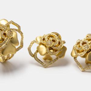 Conjunto em ouro amarelo com diamantes